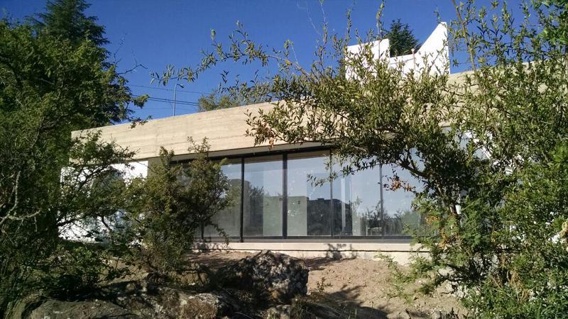 Foto Casa en Venta en  Alta Gracia,  Santa Maria  Moderna Casa - A pocas cuadras de la Terminal - Hermosa zona.