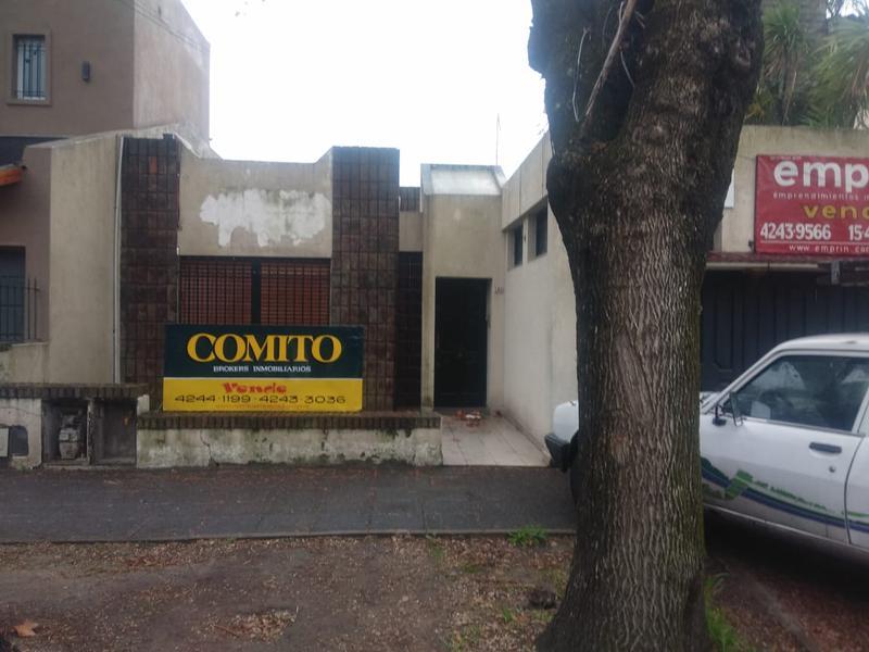 Foto Casa en Venta en  Banfield Oeste,  Banfield  Larrea 165