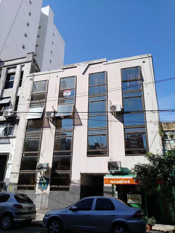 Foto Departamento en Alquiler en  Centro,  Rosario      Monoambiente - Brown 1963 - Escalera