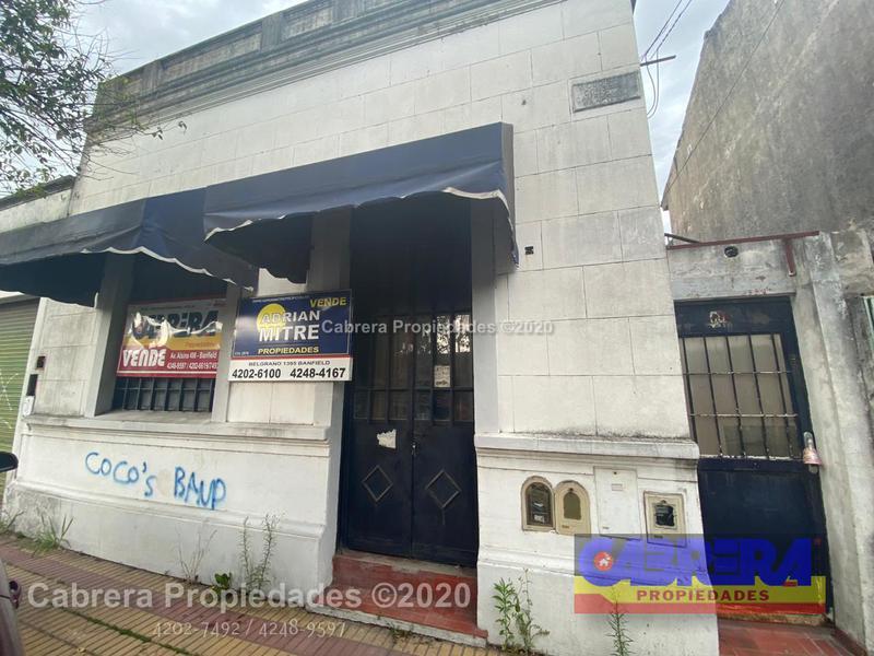 Foto Local en Venta en  Banfield Este,  Banfield  Palacios 950