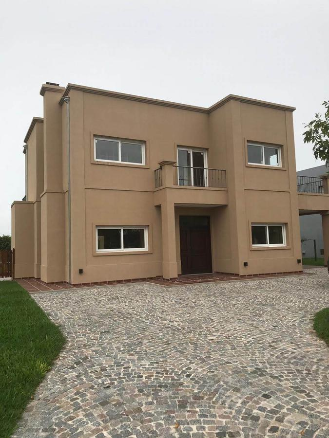 Foto Casa en Venta en  Juan Maria Gutierrez,  Berazategui  Barrancas de Iraola