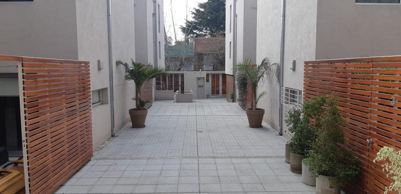 Foto Casa en Venta en  Olivos,  Vicente Lopez  Avellaneda al 2600