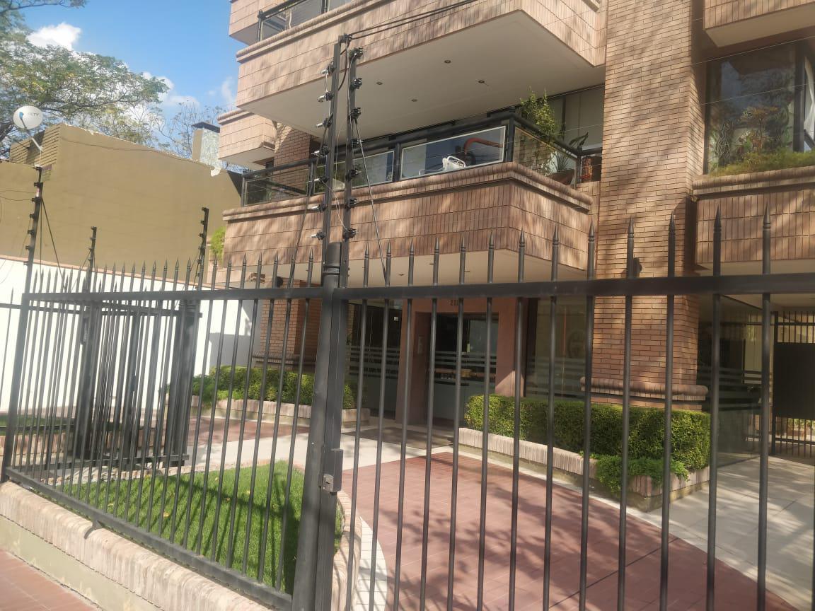 Foto Departamento en Venta en  Quinta Sección,  Mendoza  emilio civit al 200