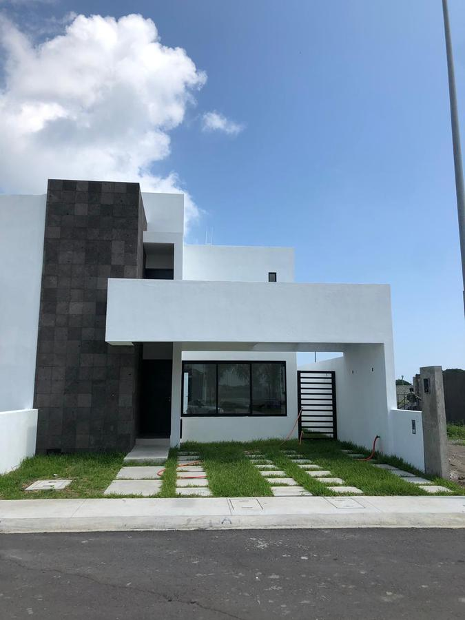 Foto Casa en Venta en  Fraccionamiento Lomas de la Rioja,  Alvarado  Casa en Riviera Veracruzan