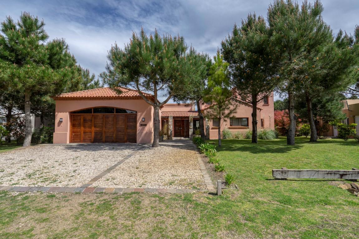Foto Casa en Alquiler temporario en  La Herradura,  Pinamar  Tropilla 937