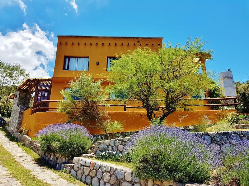 Foto Casa en Alquiler temporario en  Tafi Del Valle ,  Tucumán   Loma de la Cruz, cercana a la Villa, 5 dormitorios, asador, cochera