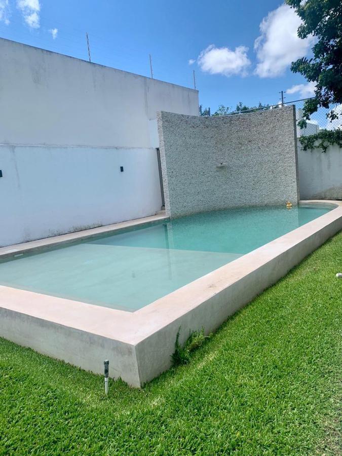 Foto Casa en Renta en  Temozon Norte,  Mérida  Amplia casa en renta (c/s amueblar) en Temozón Norte. Cerca de las vías y amenidades principales.