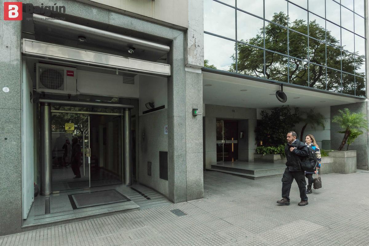 Foto Oficina en Venta en  Centro ,  Capital Federal  Pellegrini al 100