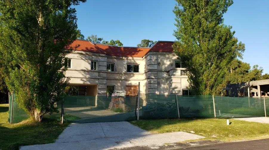 Foto Casa en Venta en  Lomas del City Bell,  Countries/B.Cerrado (La Plata)  148 e/ 472 y 480
