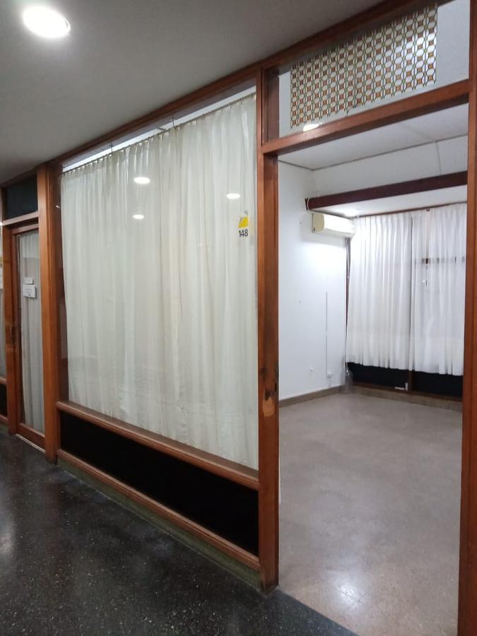 Foto Local en Alquiler en  Microcentro,  Rosario  San Martin 860 Galeria Rosario