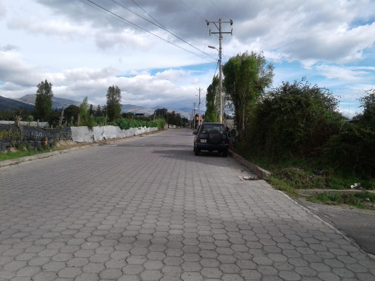Foto Terreno en Venta en  Tababela,  Quito  Carlos Garzón y 24 de Spetiembre Tababela