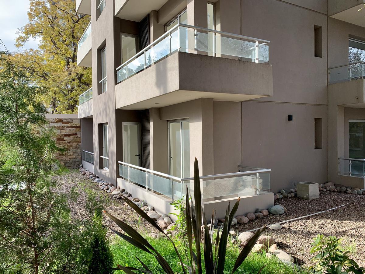 Foto Departamento en Venta en  Capital ,  Mendoza  Coronel Plaza y Mitre en 2do piso
