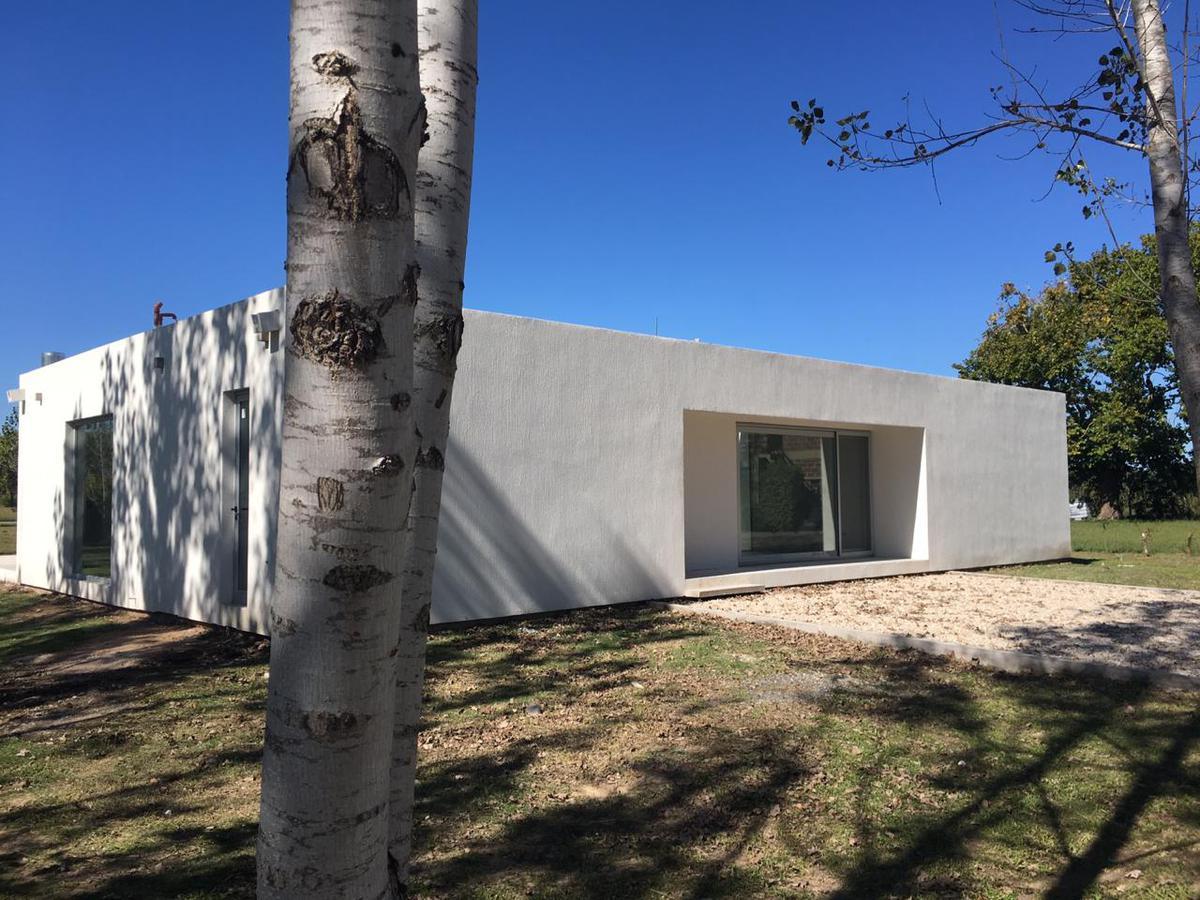 Foto Casa en Venta en  Cañuelas ,  G.B.A. Zona Sur  CASA EN VENTA :: CAÑUELAS :: LOMAS DE PETION