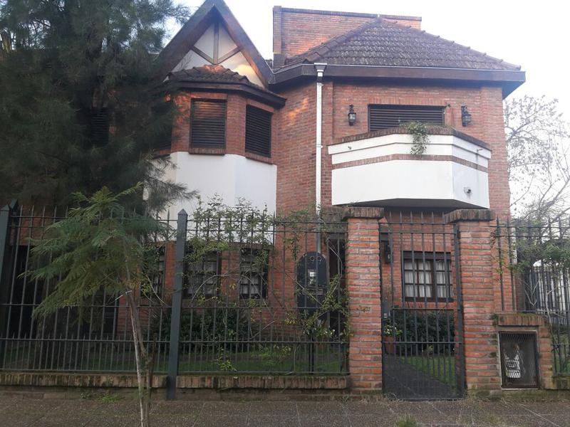 Foto Casa en Venta en  Adrogue,  Almirante Brown  Dekay al 100