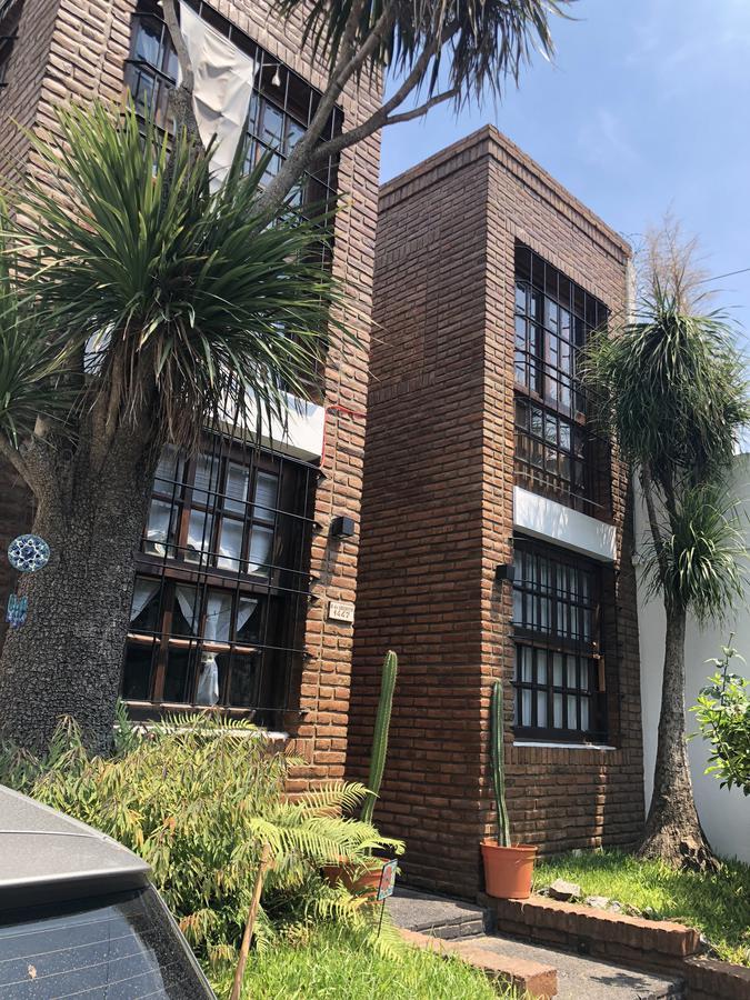 Foto Casa en Venta en  Quilmes Oeste,  Quilmes  Bernardo de Irigoyen 1447 entre Corrientes y Juan Domingo Perón