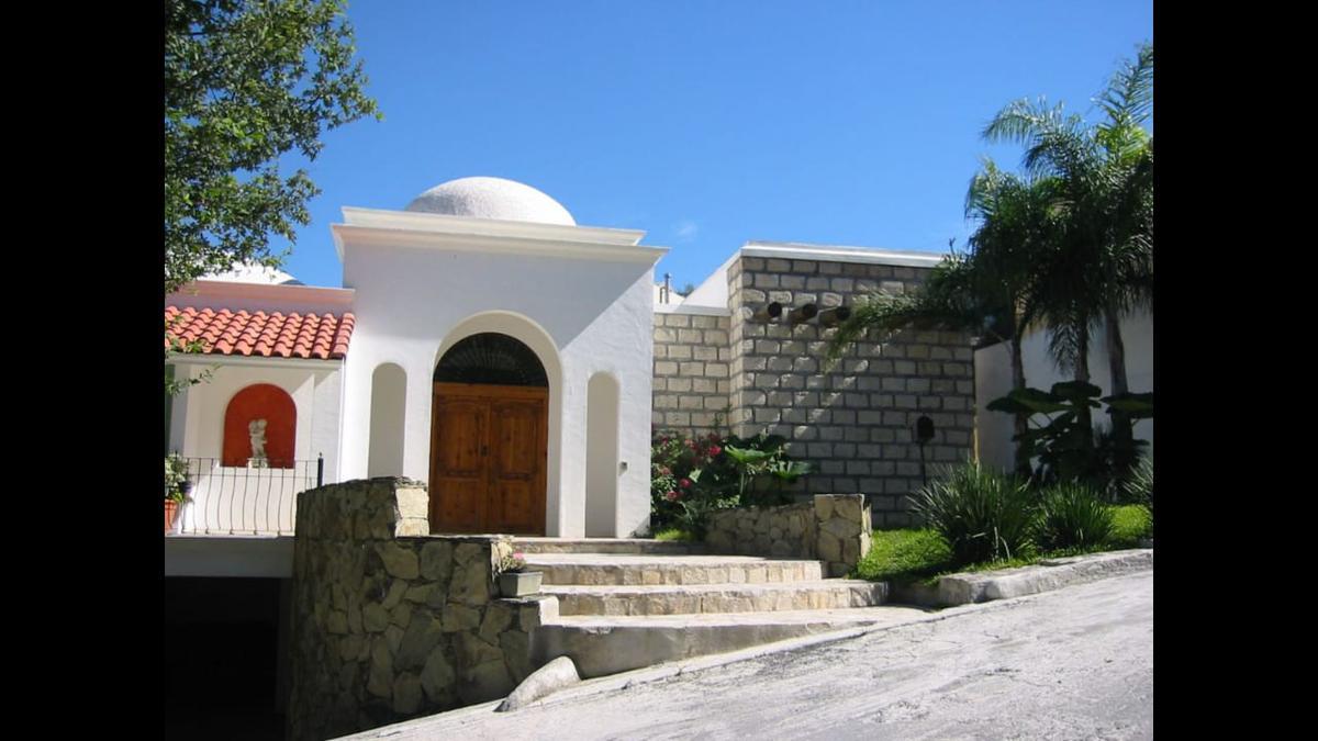 Foto Casa en Venta en  Valle de San Angel,  San Pedro Garza Garcia  Valle de San Angel Sector Español