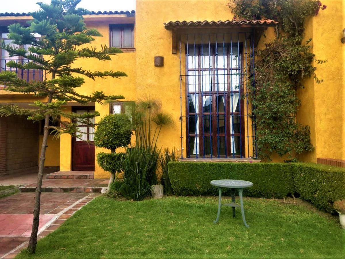 Foto Casa en condominio en Renta en  Las Mitras,  Metepec  Casa en Renta en Fraccionamiento  Cerca del Centro de Metepec, Salida Fácil a CDMX