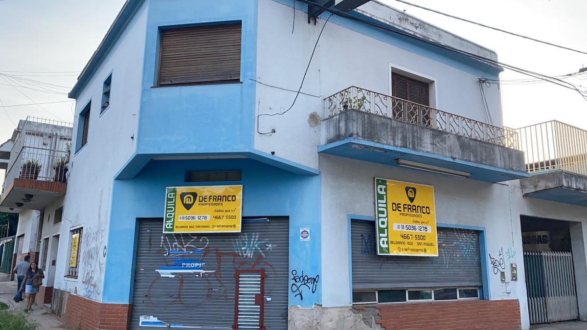 Foto Local en Alquiler en  Bella Vista,  San Miguel  Av. Pte Arturo Illia al 1000
