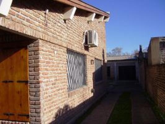Foto Casa en Venta en  Cañuelas,  Cañuelas  Eistein al 600