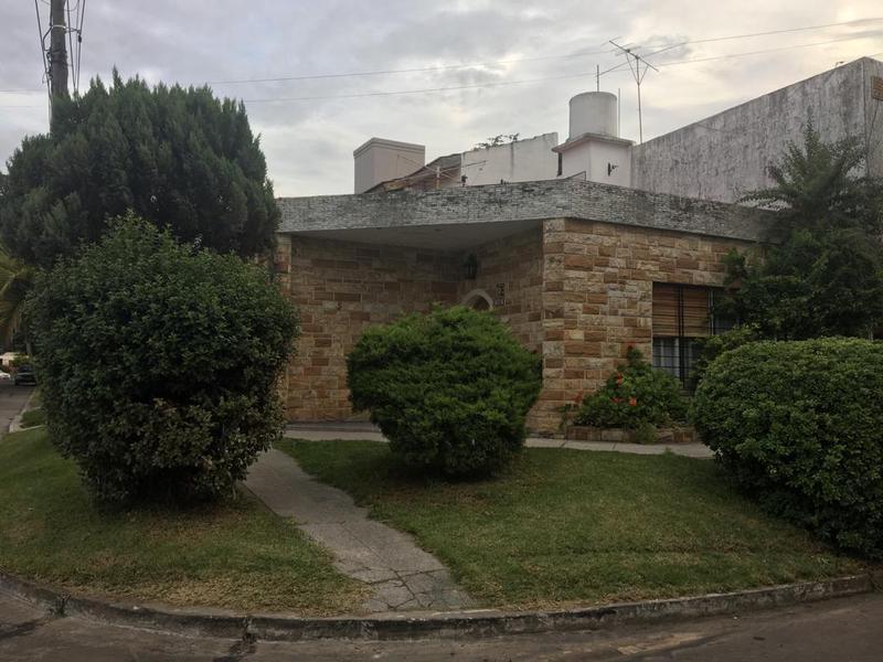Foto Casa en Alquiler en  Castelar Norte,  Castelar  avellaneda al 1400