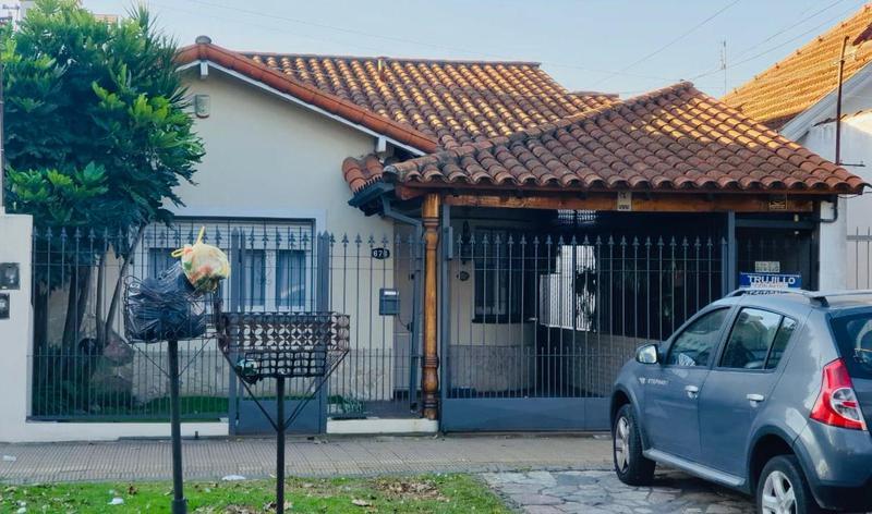 Foto Casa en Venta en  Lomas De Zamora,  Lomas De Zamora  Fonrouge 676 Fte.