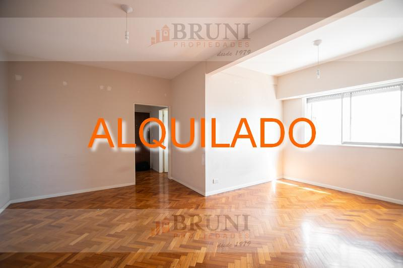 Foto Departamento en Alquiler en  Monserrat,  Centro (Capital Federal)  Perú al 600