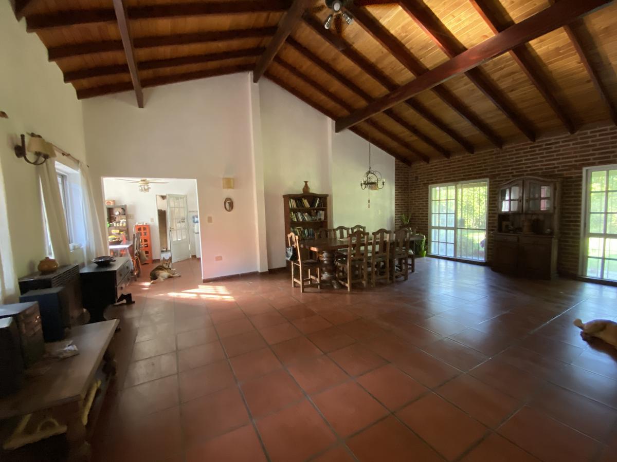 Foto Casa en Venta en  Villa Elisa,  La Plata  28 bis entre 419 y 420
