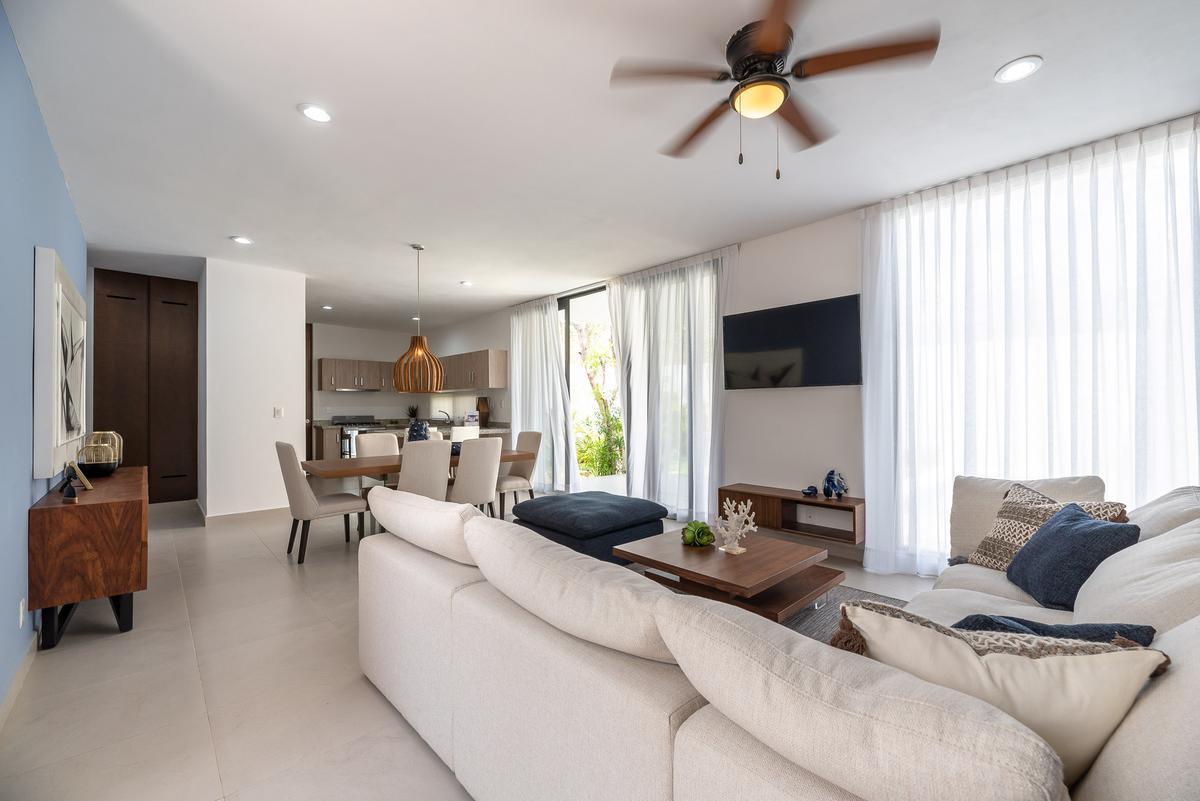 Foto Casa en Venta en  Solidaridad ,  Quintana Roo  Casa en venta 3 ó 4 recámaras en zona residencial.