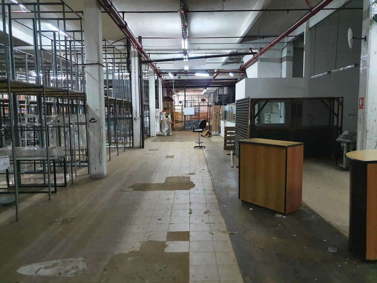 Foto Depósito en Alquiler en  La Comercial ,  Montevideo  deposito prox a Shopping Tres Cruces