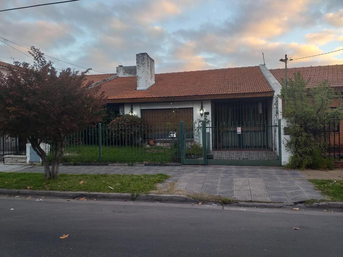 Foto Casa en Venta en  Ramos Mejia Sur,  Ramos Mejia  BOLIVAR al 1100