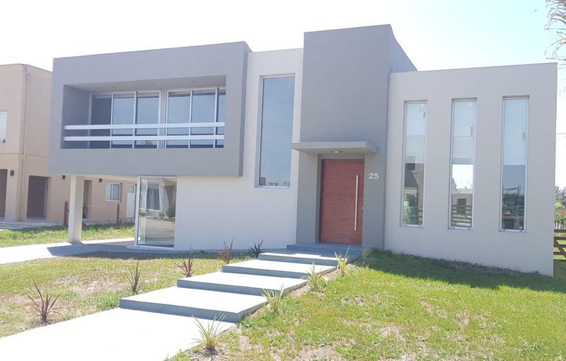 Foto Casa en Venta en  Los Talas ,  Canning (Ezeiza)  Venta - Casa en Los Talas - Canning