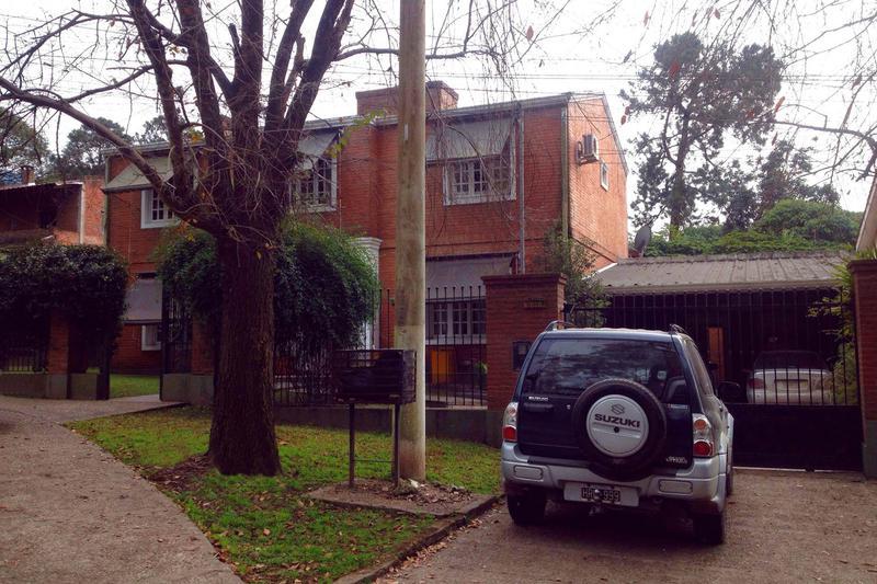 Foto Casa en Venta en  El Corte,  Yerba Buena  Av. Aconquija, El Corte