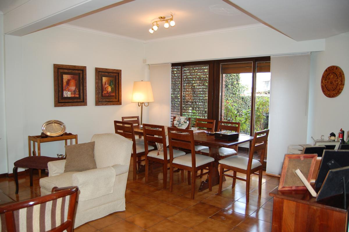 Foto Casa en Venta en  San Andres,  General San Martin  J. M. Campos Nº 2600