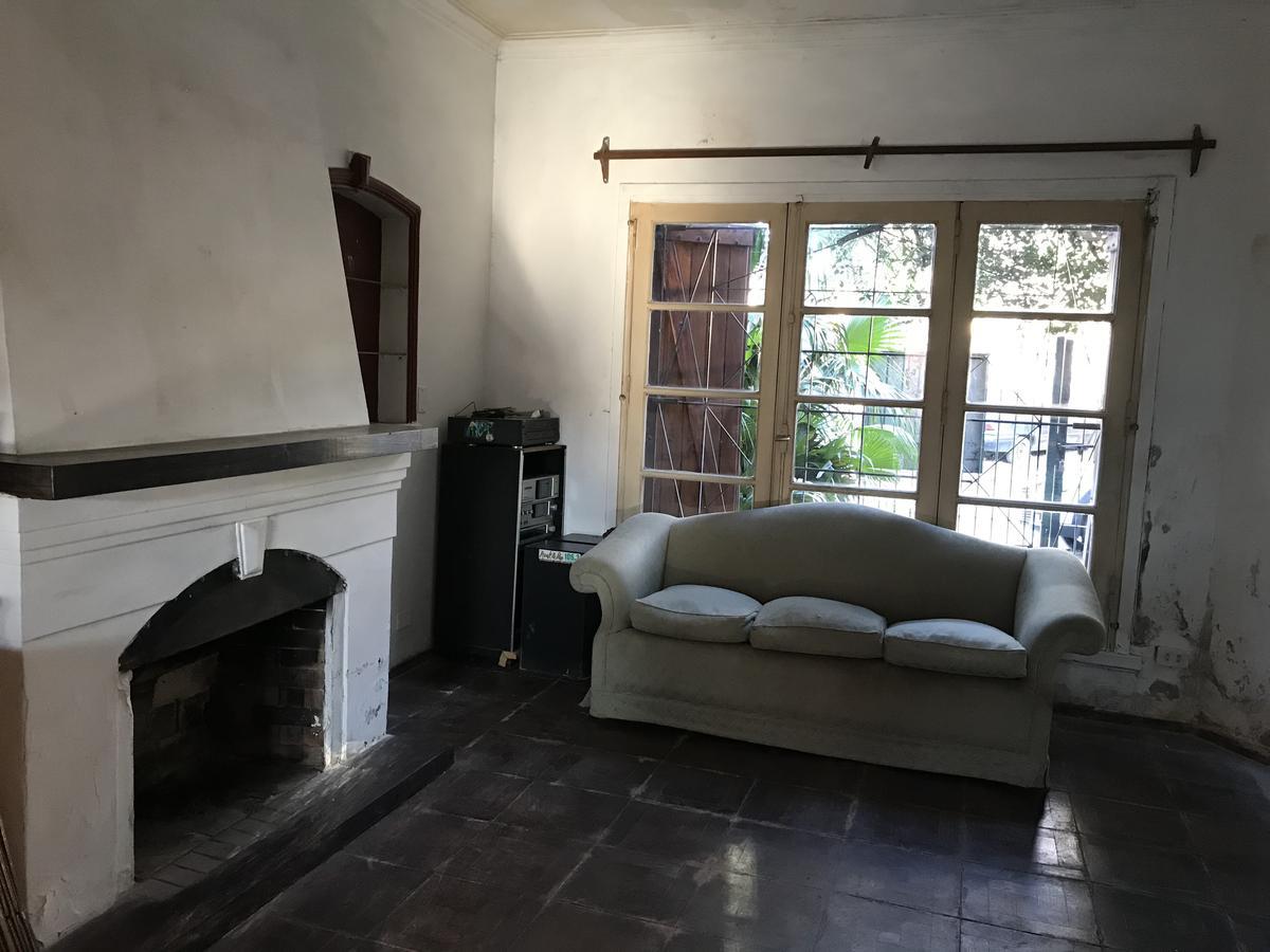Foto Casa en Venta en  Mart.-Vias/Libert.,  Martinez  Eduardo Costa al 2800