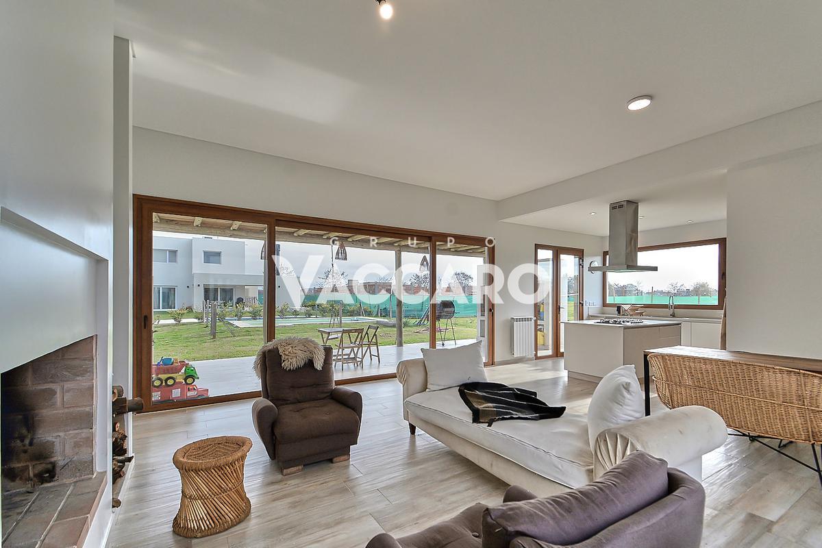 Foto Casa en Venta en Club de Campo Prados del Oeste, G.B.A. Zona Oeste | Moreno | Prados del Oeste