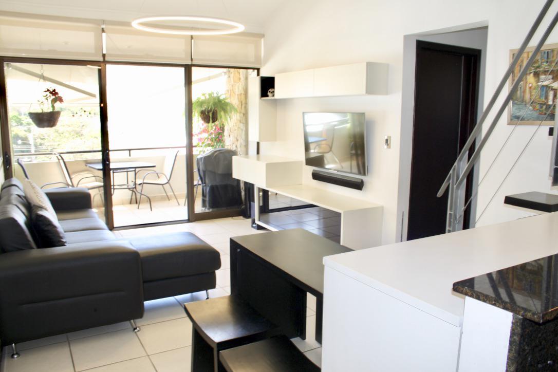 Foto Departamento en Venta en  Piedades,  Santa Ana          Santa Ana/Piscina/tenis/Club House