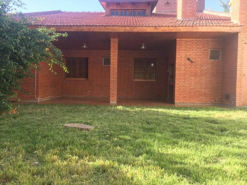 Foto Casa en Venta en  Centenario,  Confluencia  Sargento Cabral  339