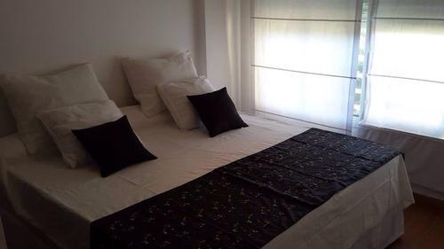 Foto Departamento en Alquiler temporario en  Almagro ,  Capital Federal  Lezica  ** 4200.  3 amb. Sup. 75m2.