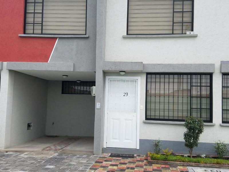 Foto Casa en Venta en  Calderón,  Quito  Calderón, sector de gran desarrollo inmobiliario, casa de dos plantas