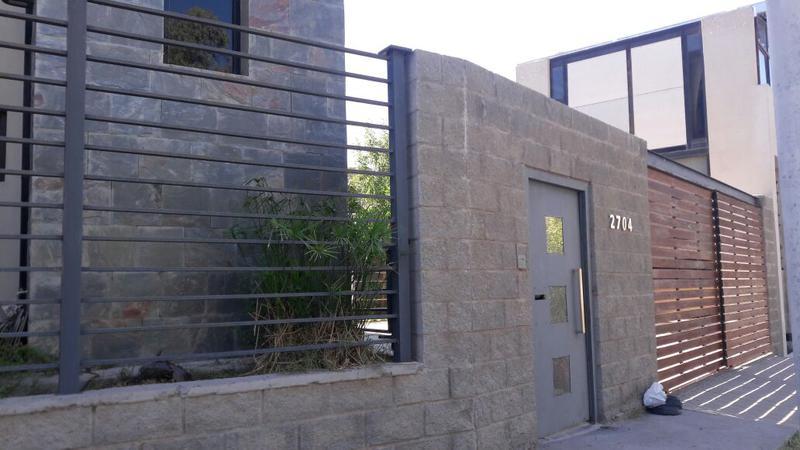 Foto Casa en Venta en  Capital ,  Neuquen  CHOIQUE al 2700