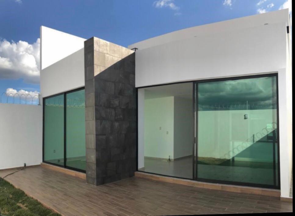 Foto Casa en Venta en  Querétaro ,  Querétaro  VENTA CASA NUEVA FRACC. CAMPESTRE JURIQUILLA QRO. MEX.