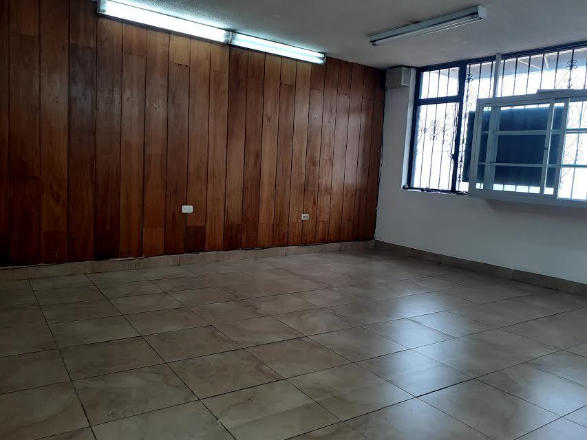 Foto Local en Alquiler en  Centro Norte,  Quito  Juan José de Villalengua y Veracruz