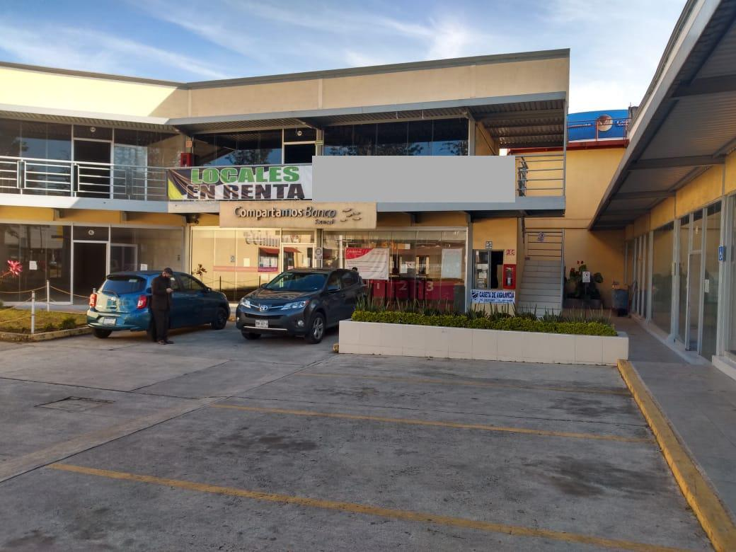 Foto Local en Renta |  en  Rafael Lucio,  Xalapa  Local comercial en renta en Xalapa Veracruz sobre Av. Lazaro Cardenas dentro de plaza comercial, planta alta y estacionamiento