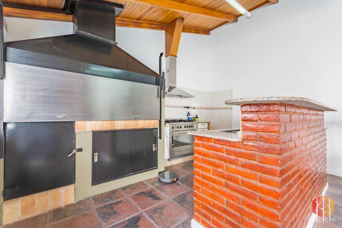 Foto Casa en Venta en  Abasto,  Rosario  España 2077