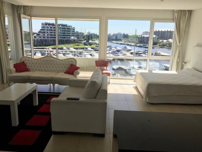 Foto Departamento en Alquiler en  Wyndham Condominios,  Bahia Grande  Wyndham Loft al 700