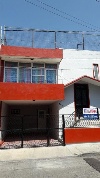 Foto Casa en Venta en  Jardines de Catedral,  Zamora  Av. de las Rosas #450