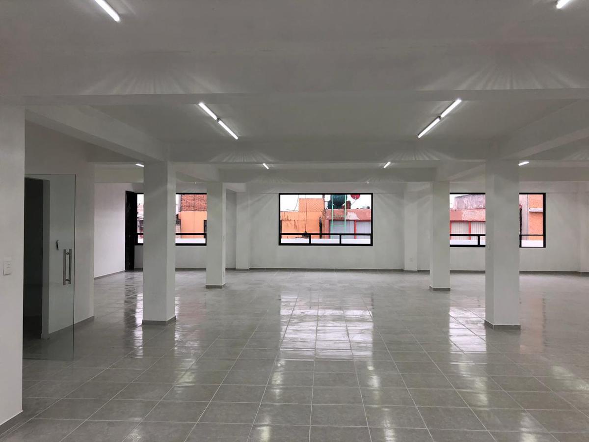 Foto Edificio Comercial en Venta en  Magisterial Vista Bella,  Tlalnepantla de Baz  Edificio en  av. Adolfo Lopez Mateos 48, Magisterial Vista Bella