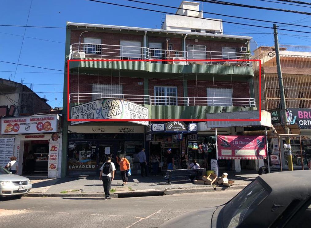 Foto Local en Alquiler en  Gregorio De Laferrere,  La Matanza  Esteban Echeverría 6089