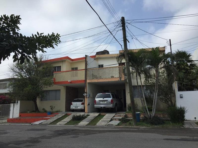 Foto Terreno en Venta en  Sierra Morena,  Tampico  Terreno residencial con construcción en Col. Sierra Morena