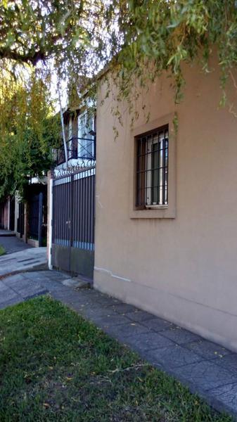 Foto PH en Venta en  Quilmes,  Quilmes  LAFINUR 100